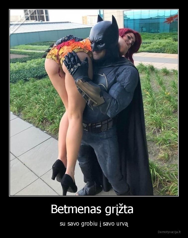 Betmenas grizta su savo grobiu i savo urva